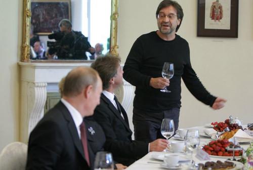 Юрий Шевчук на встрече с Путиным поднимает тост за демократию в России