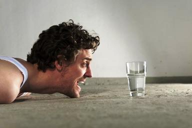 В каких случаях необходимо пить больше воды?